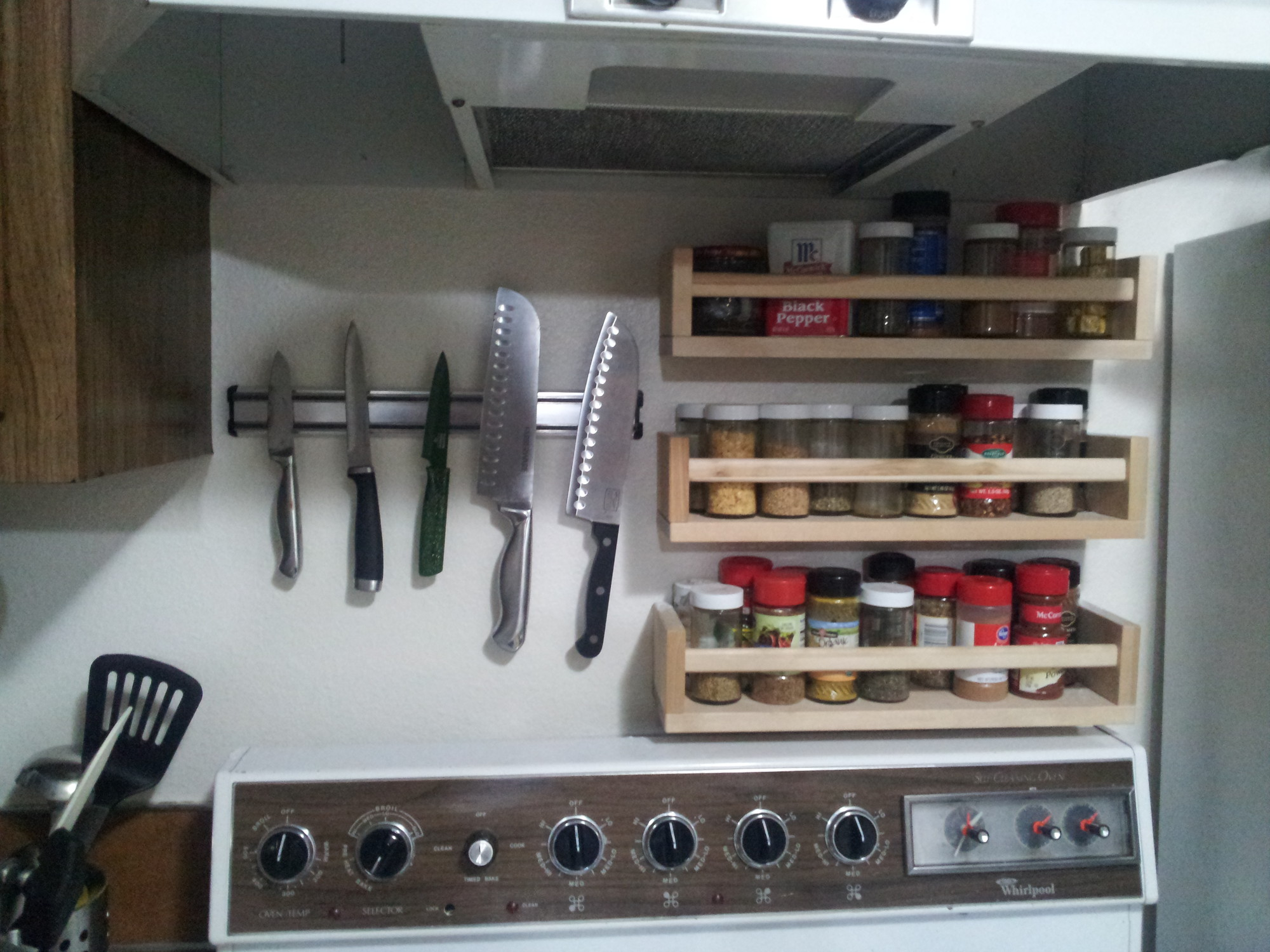 knives and spice racks